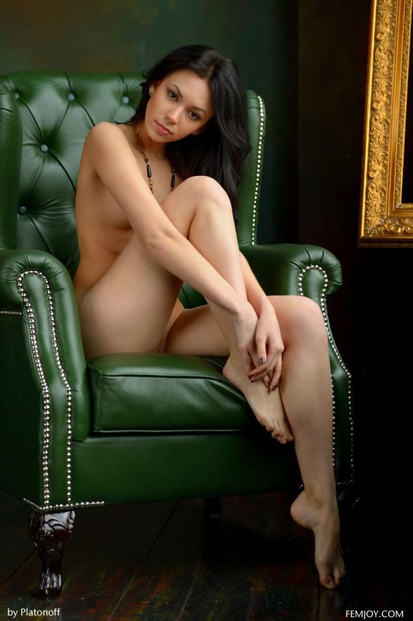 Joanna morena muito gostosa com uma bela bucetinha linda e um rosto perfeito.