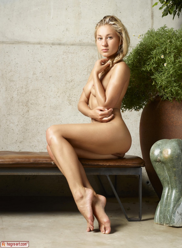Darina L gostosa muito linda com um belo corpo e uma buceta perfeita.
