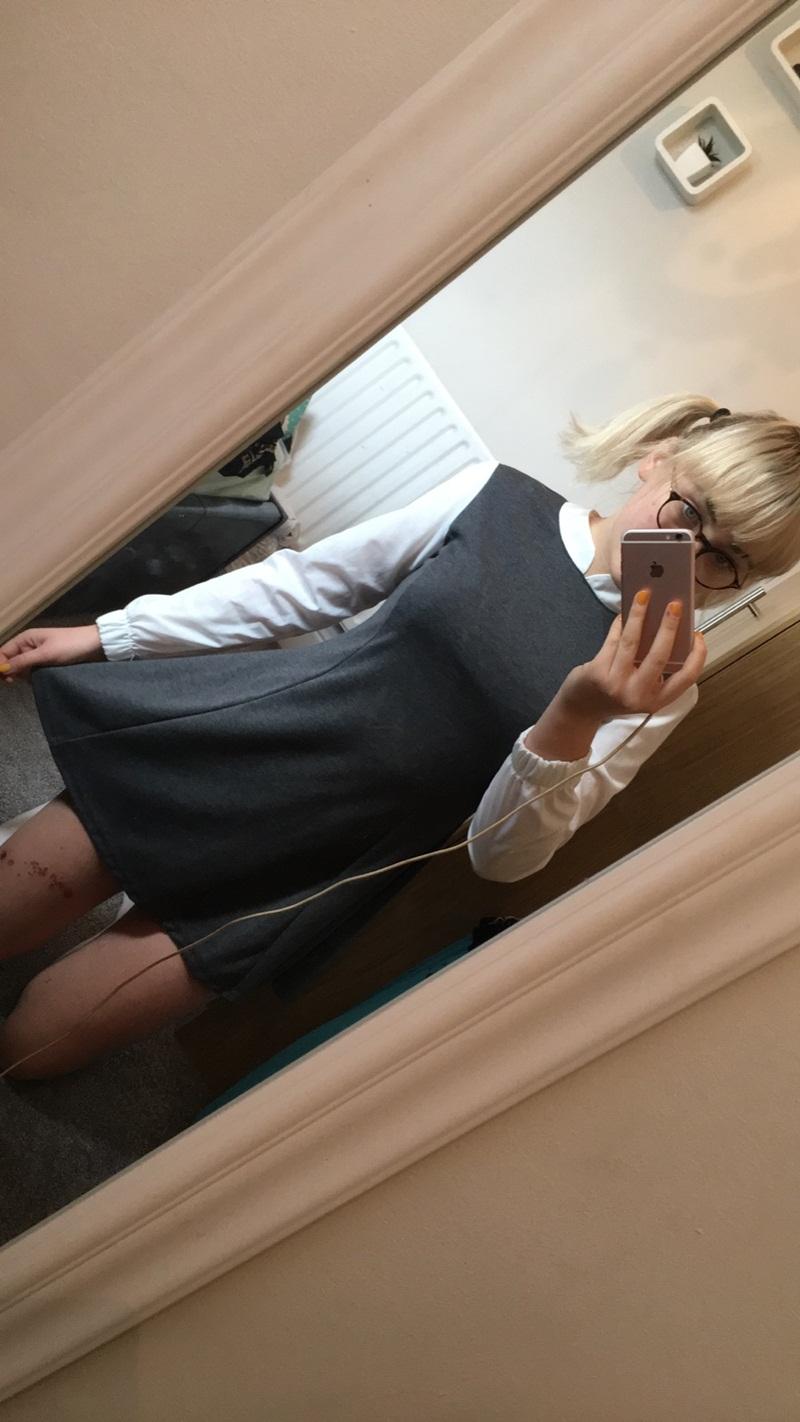 Amadora #1142 loirinha nerd muito safadinha peladinha na frente do espelho
