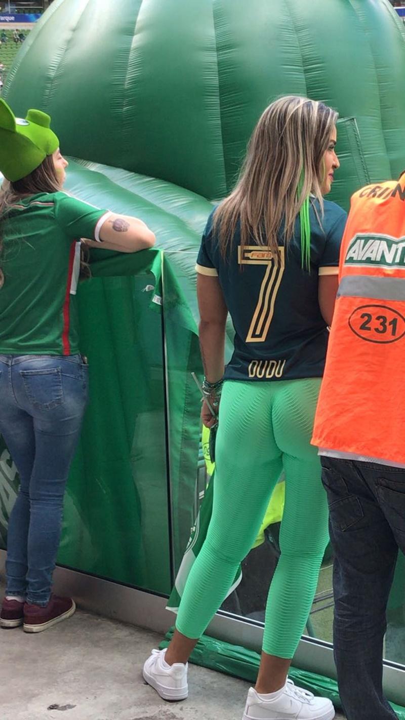 Amadora #1521 brasileira torcedora do palmeiras caiu na net pelada em foto