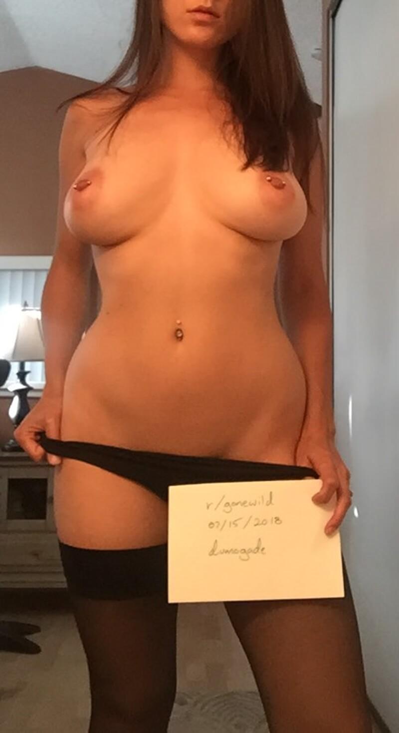 Peituda sexy e gostosa muito tesuda e linda safadinha