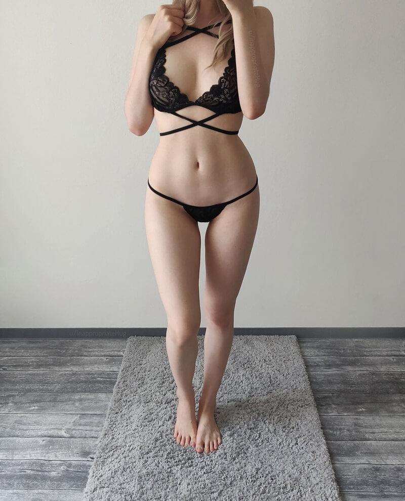 Amadora #1634 loirinha sexy de lingerie bem safadinha mostrando a buceta