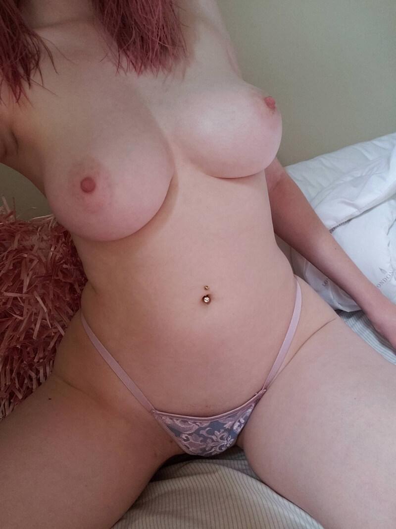 Amadora #1639 loira sexy e peituda muito gostosa com tesão da buceta pelud
