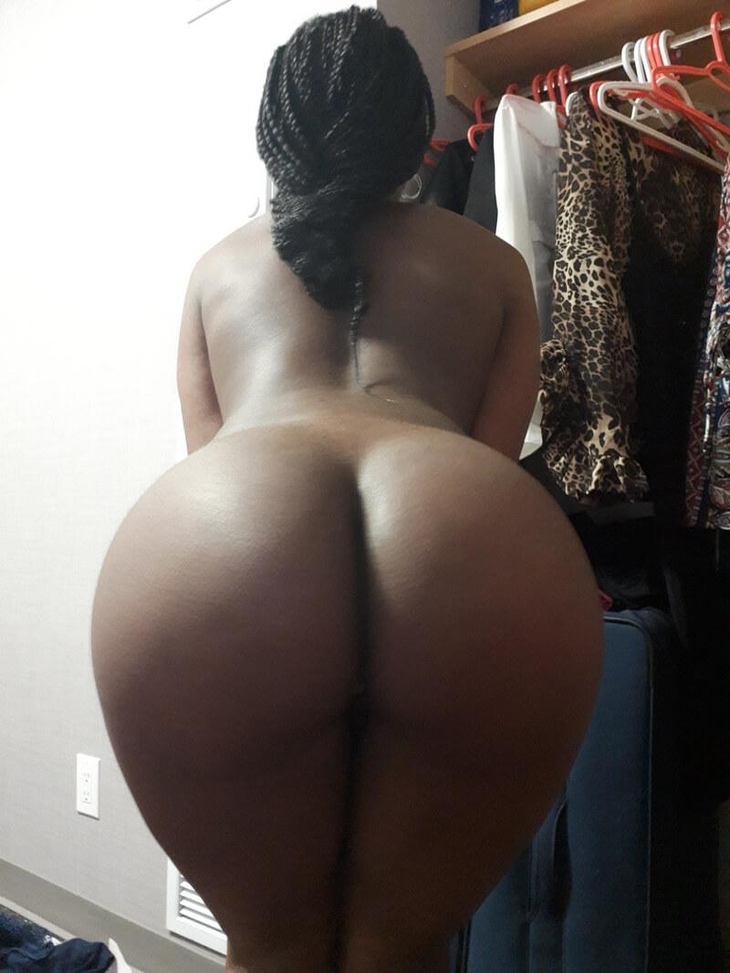 Amadora #1746 negra rabuda muito gostosa e safada com tesão pelada