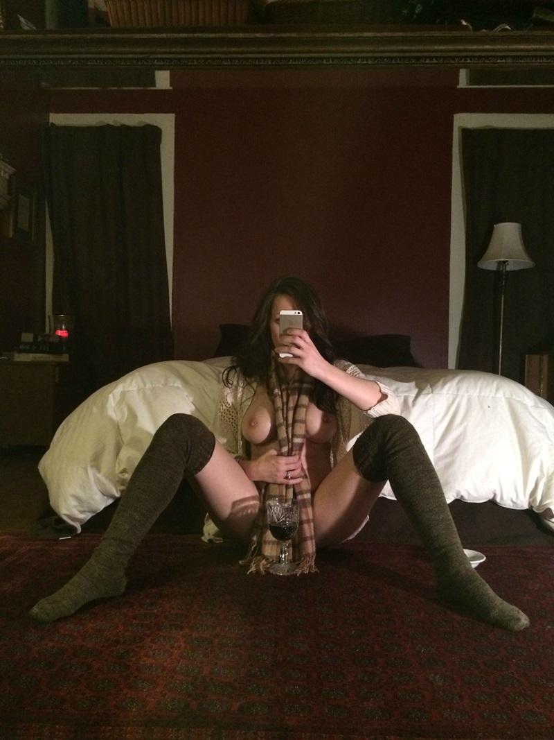 Amadora #671 morena gostosa buceta peludinha pelada sem roupa