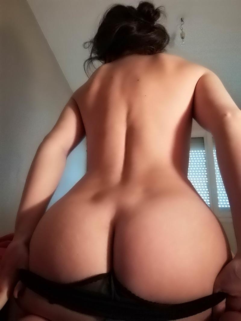 Fotos de amadoras brasileiras gostosas e peladas mostrando a