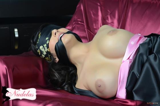 svyazannie-golie-krasotki