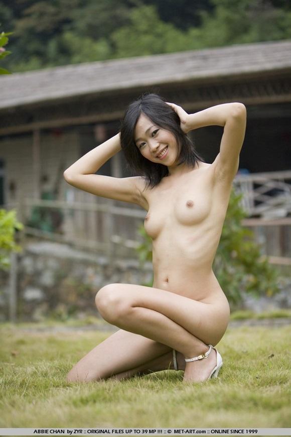 голые худенькие японки фото