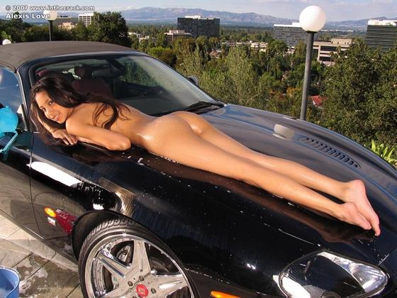 фото девушки и авто голые