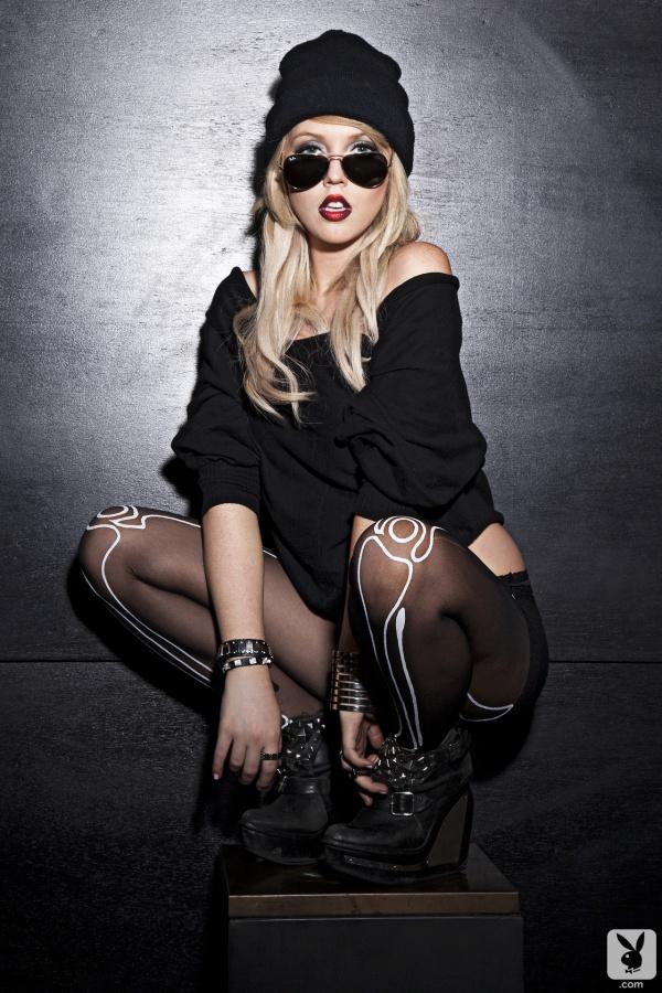 Ashley Zeitler loira skatista gostosa seios fartos bucetona pelada na Playboy