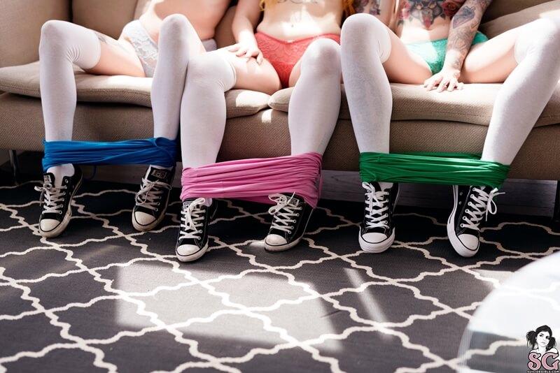 Cosplayers das Meninas Superpoderosas três Suicides Girls li