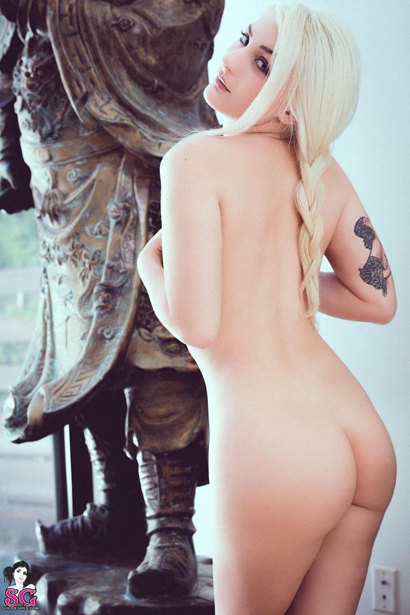 Loirinha gostosa peladinha tatuada seios perfeitos gostosa