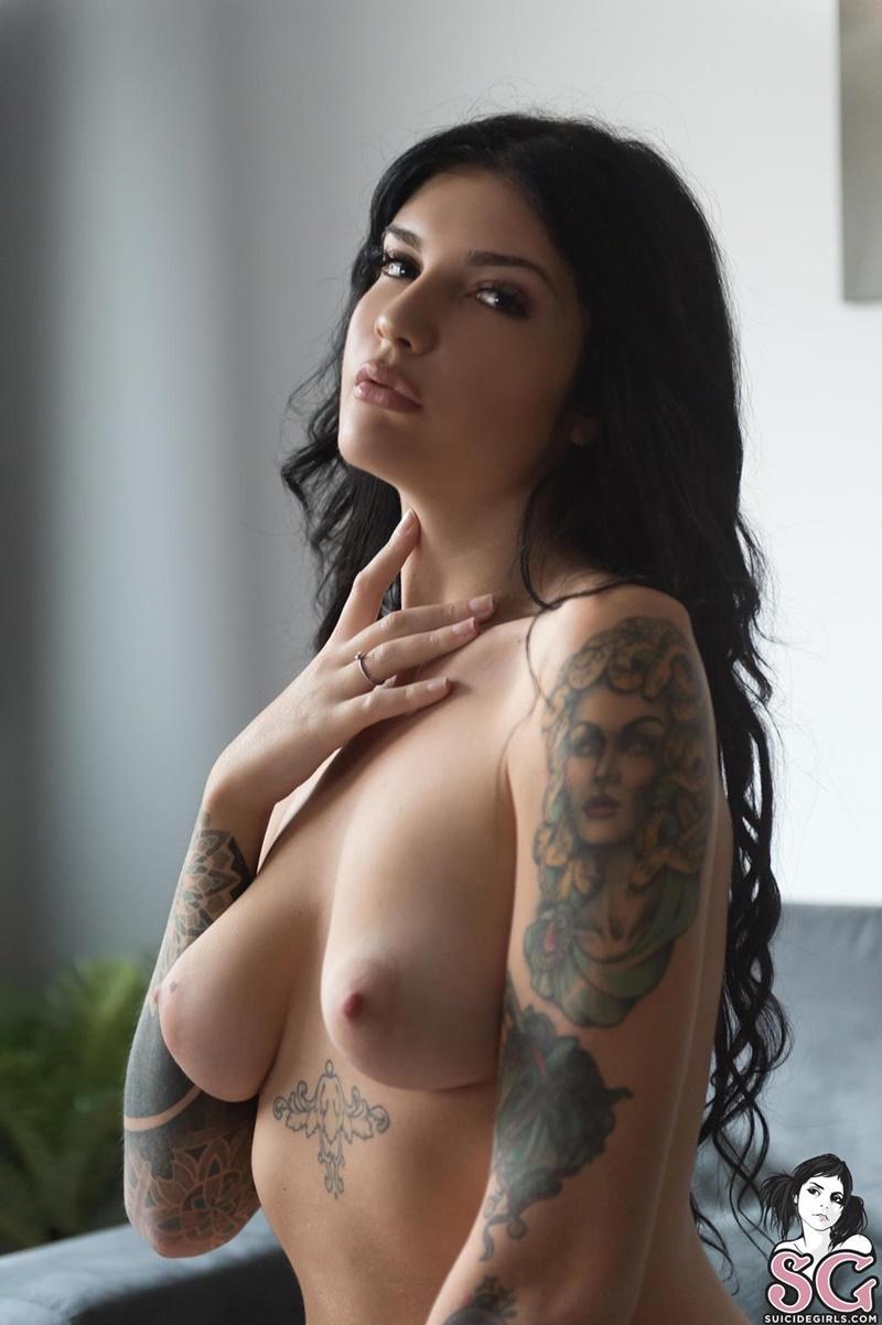 Girls sg naked sc