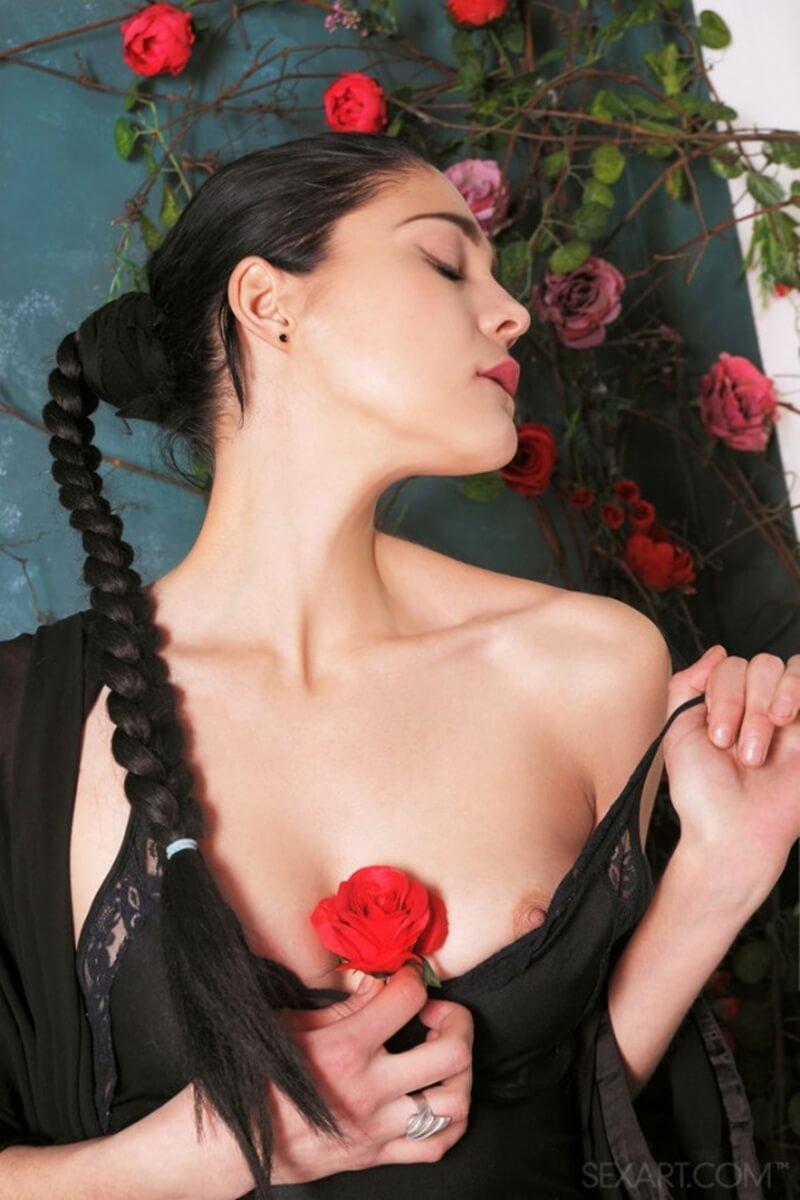 Callista B gatinha do corpo lindo mostrando toda sua sensualidade nesse ensaio.
