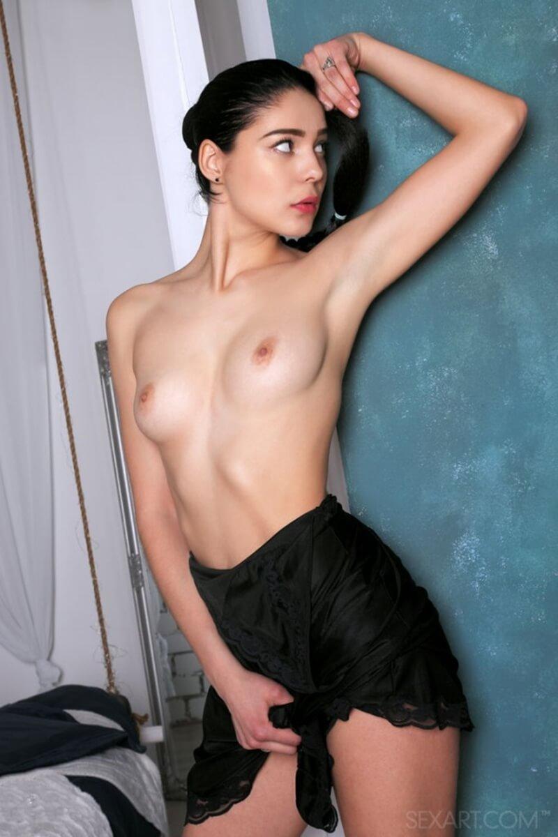 Gatinha do corpo lindo mostrando toda sua sensualidade nesse ensaio.