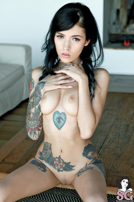 Nude images coralinne