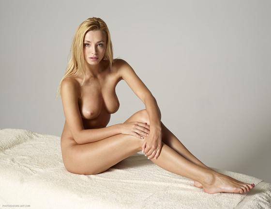egre art com nude:
