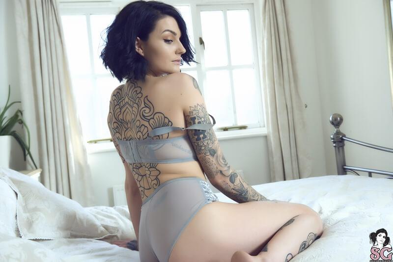 Ninfetinha delicia de lingerie sexy muito gostosa e safada c