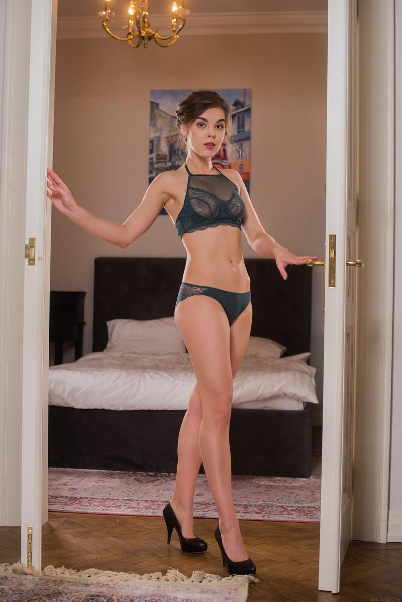 Dakota A gostosa sexy muito safada sem roupa com tesão delicia