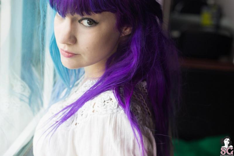 Damnit Suicide Girls morena tatuada gostosa rabuda pelada