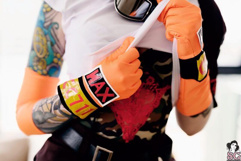 Cosplay da Bulma Dragon Ball muito gostosa e safadinha pelad