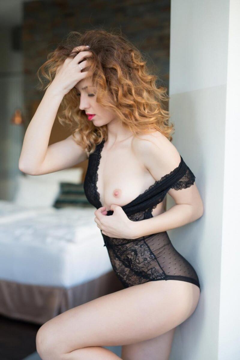 Diana Lark uma linda gringa mostrando seu corpo na playboy plus.