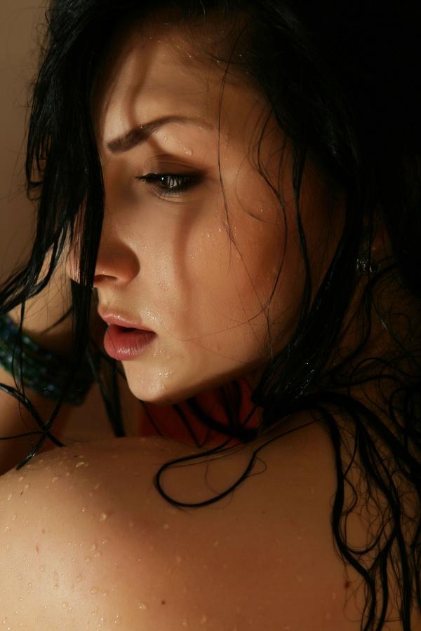 Morena sarada de curvas perfeitas pelada