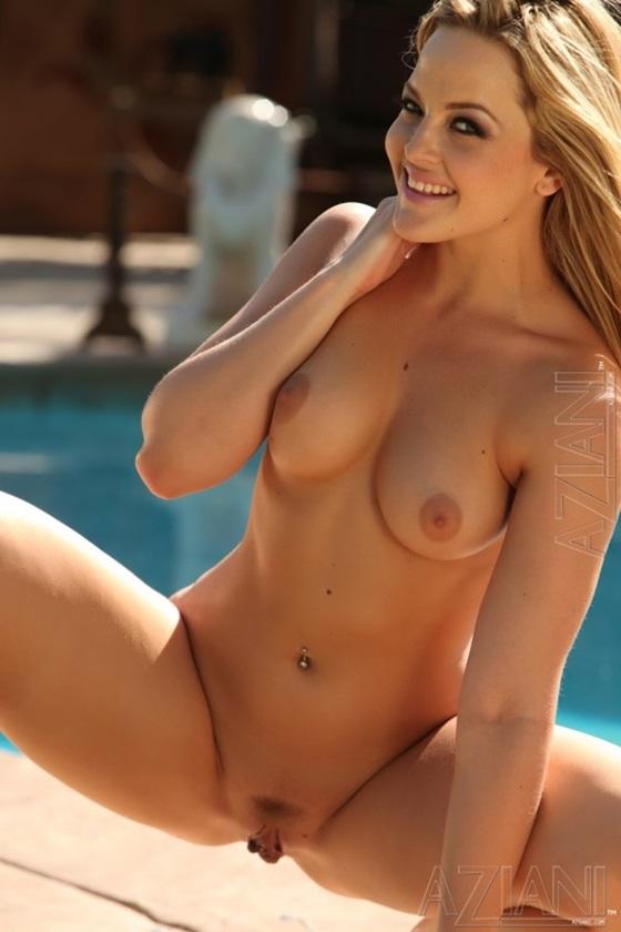 Um post especial com fotos e vídeos da pornstar Alexis Texas.Uma beldade loira , muito gostosa e que tem uma bunda maravilhosa.