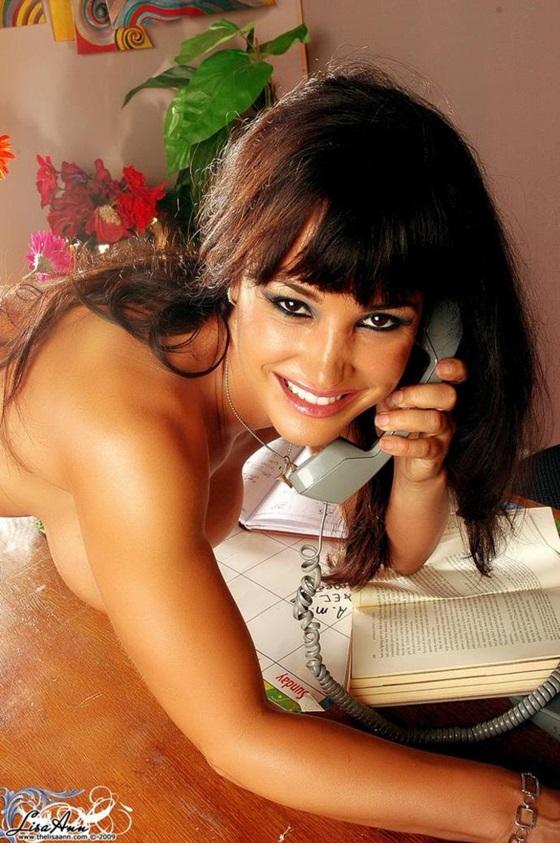Lisa Ann é uma atriz porno de 41 anos, muito gostosa e sensual.