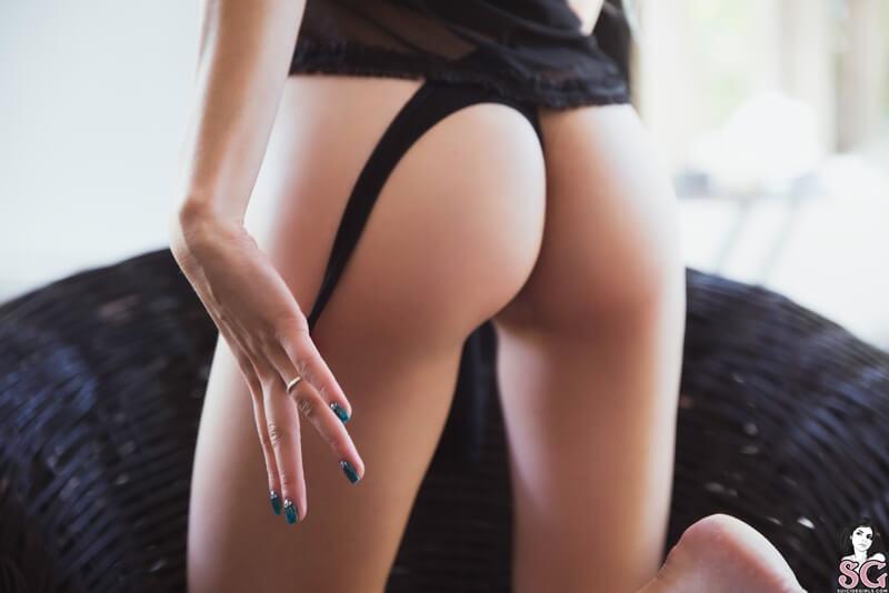Loirinha sexy e gostosa com tesão peladinha muito linda