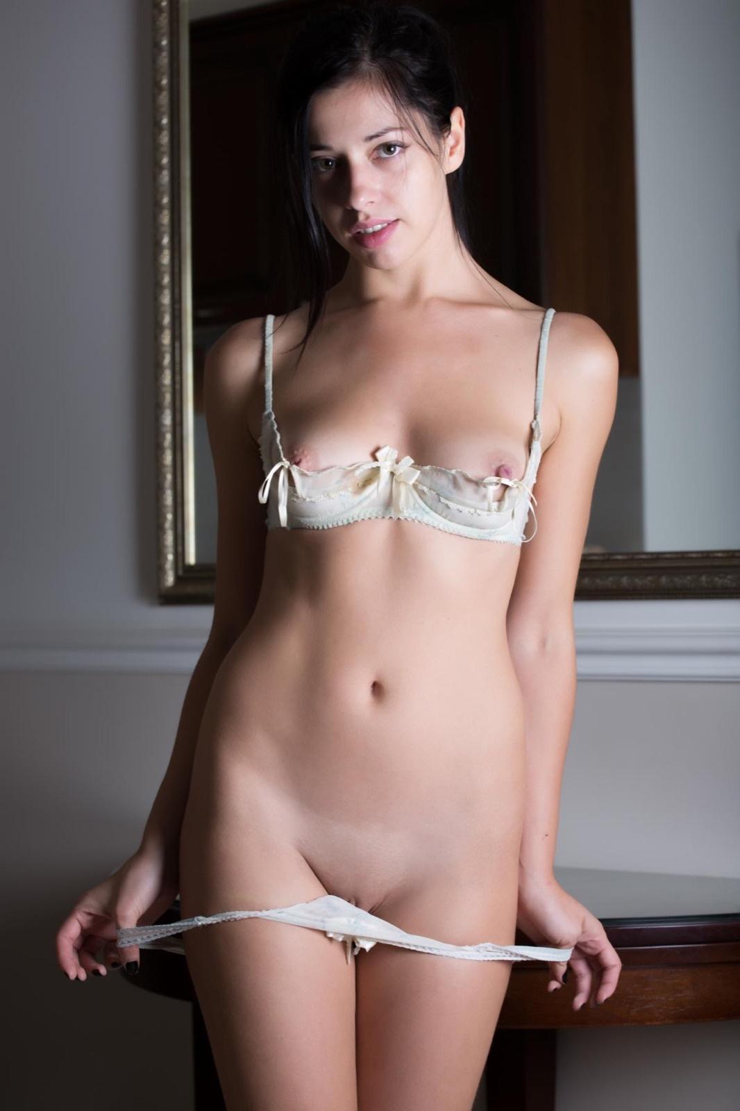 New Victoria's Secret Vs Brazilian Bombshell Sexy Thong Panty Underwear Small