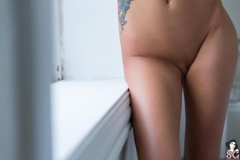 Morena gostosa peladinha bem sensual e safadinha linda