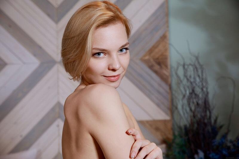 Loirinha sexy e tesuda bem safada peladinha delicia