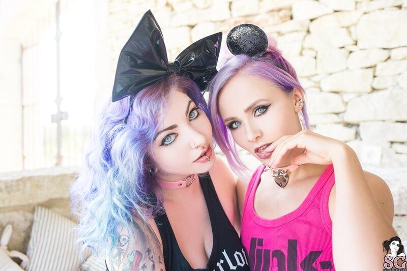 Indigo and Nayru Suicide Girls lésbicas safadas se pegando com tesão muito gostosas