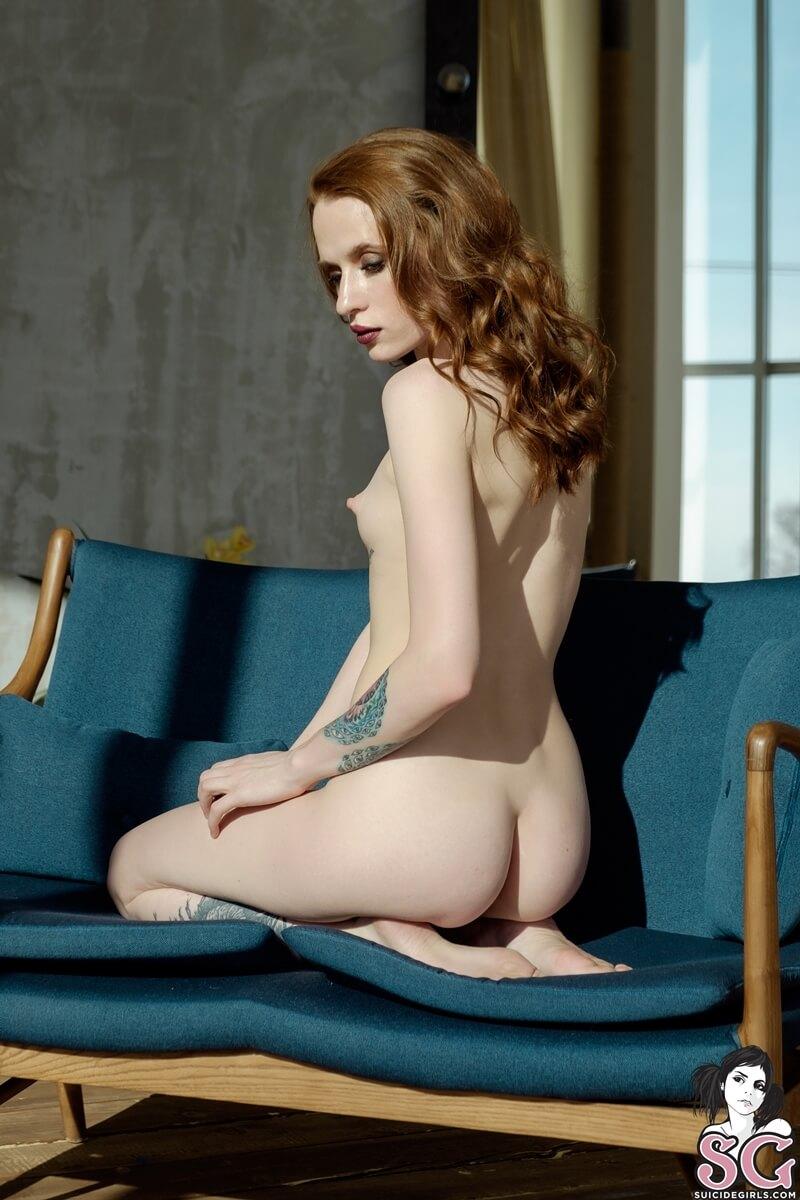 Ruivinha delicia peitudinha bem gostosa pelada com tesão