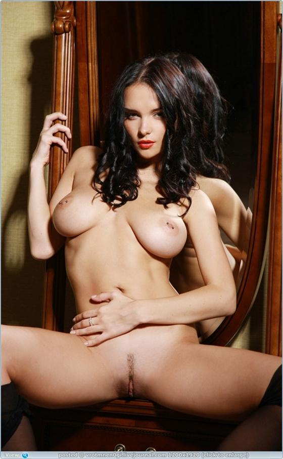 Jenya D, um tesão de mulher