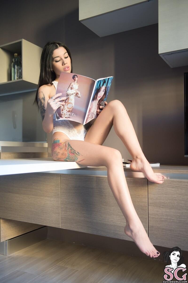 Jessi Suicide Girls morena tatuada sexy e muito gostosa peladinha tesuda