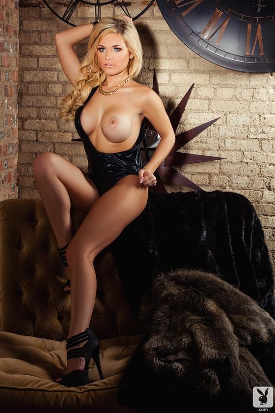 Jessie Marie loirinha peituda peladinha na playboy bucetuda gostosa