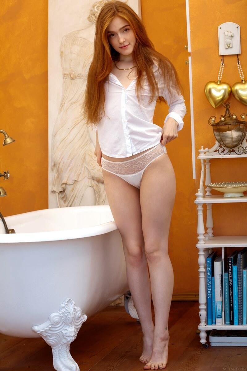 Jia Lissa ruiva tesuda muito linda da buceta molhadinha delicia
