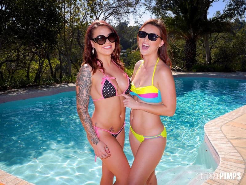 Karlie Montana And Karmen Karma morenas gostosas e safadas na piscina
