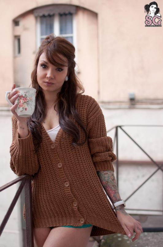 Lalka Suicide Girls morena perfeita muito linda nua