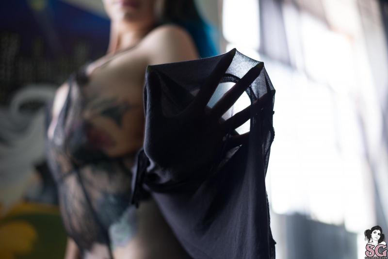 Morena tatuada rabuda gostosa nua