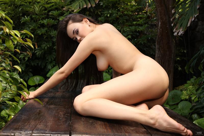 Japonesa safada e peituda pelada muito gostosa bucetuda