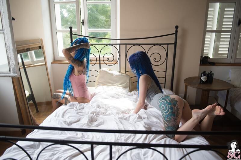Lilyt and Fishball Suicide Girls duas gostosas safadas se pegando com tesão delicia