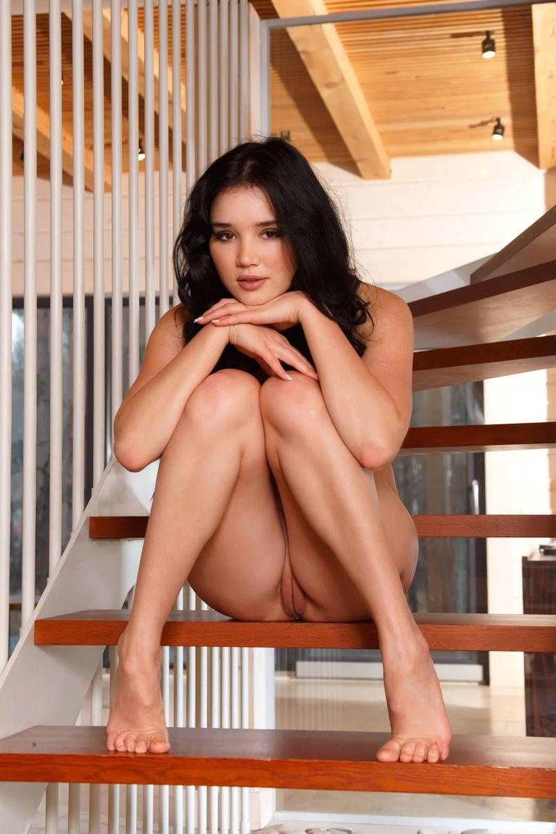 Morena sexy e gostosa pelada com tesão delicia