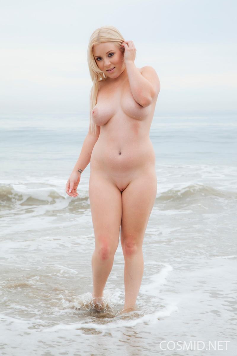 pornozvezdi-smotret-blondinki-polnie-golie-foto
