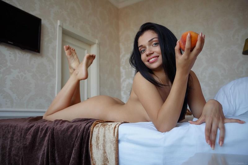 Moreninha gostosa muito sensual e safadinha bem ninfeta