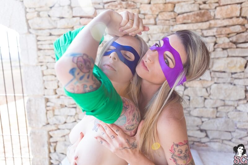 Lésbicas gostosas e muito lindas com tesão peladinha delicia