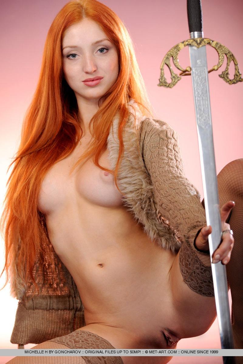 Ruivinha sensual e gostosa peladinha muito linda ninfeta