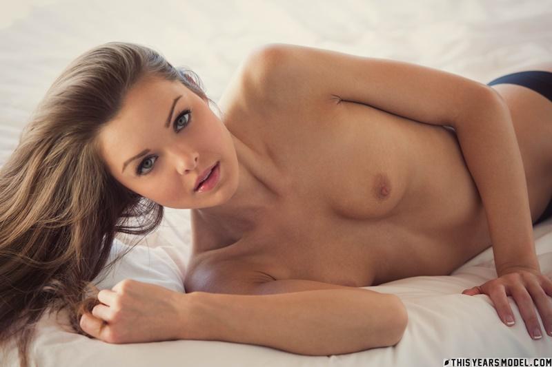 Michelle Jean novinha safada com tesão peladinha muito gostosa